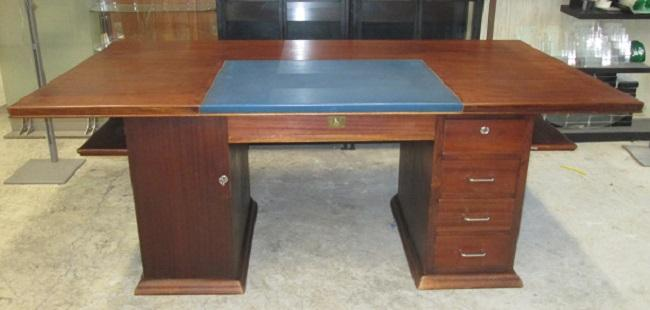 bureau bois dessus cuir bleu et table idf 94 92 asmb. Black Bedroom Furniture Sets. Home Design Ideas